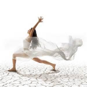 Danseuse en mouvement. Introduction au lien danse et art-thérapie.
